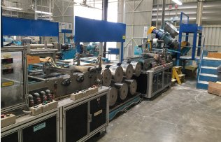 Anti-vibration rubber extrusion machine