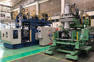Direct blow-forming machine